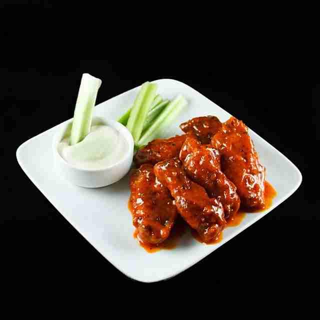 Hot n Easy Buffalo Chicken Wings