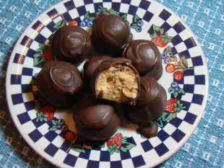 No Bake Chocolate Peanut Butter Balls