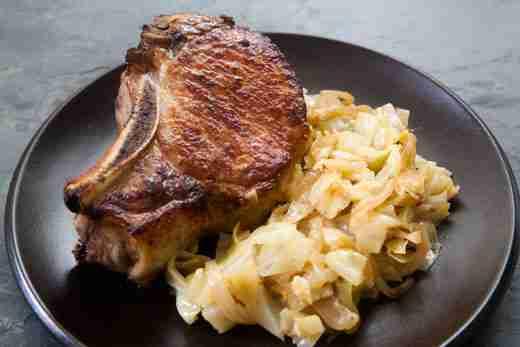 Easy Sauerkraut Pork Chops