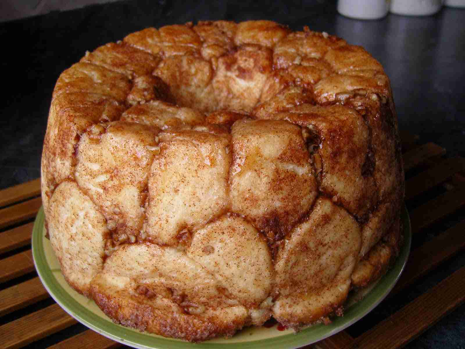 Amish Caramel Pecan Monkey Bread