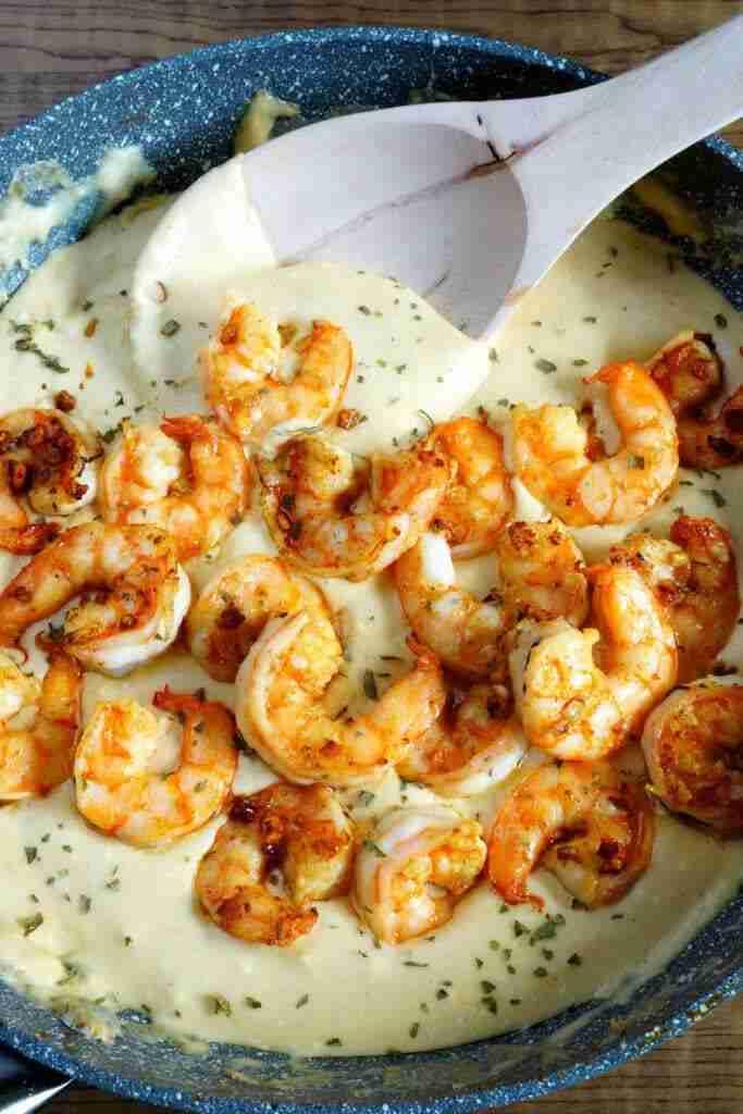 30 Minute Cheesy Garlic Shrimp Alfredo – Easy Peasy Meals