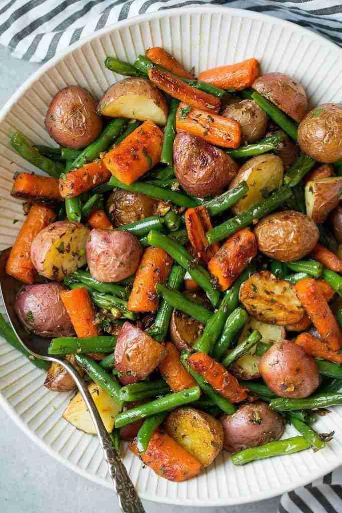 Garlic Herb Roasted Potatoes Carrots and Green Beans Recipe | Yummly