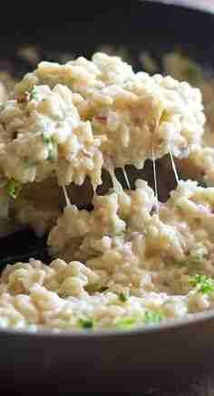 Creamy Cauliflower Garlic Rice – Pinch of Yum