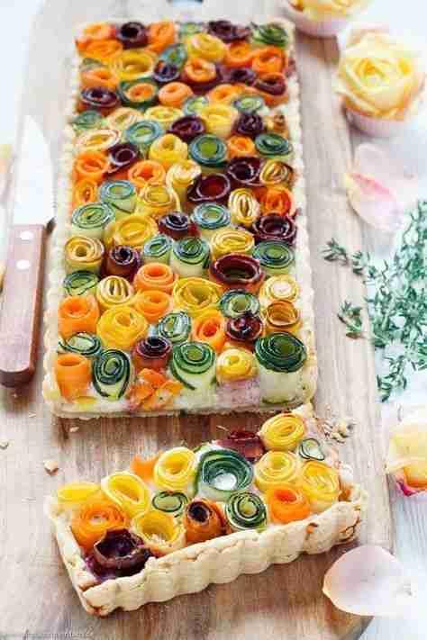 Gemüseröschen Tarte – so sommerlich und bunt – emmikochteinfach