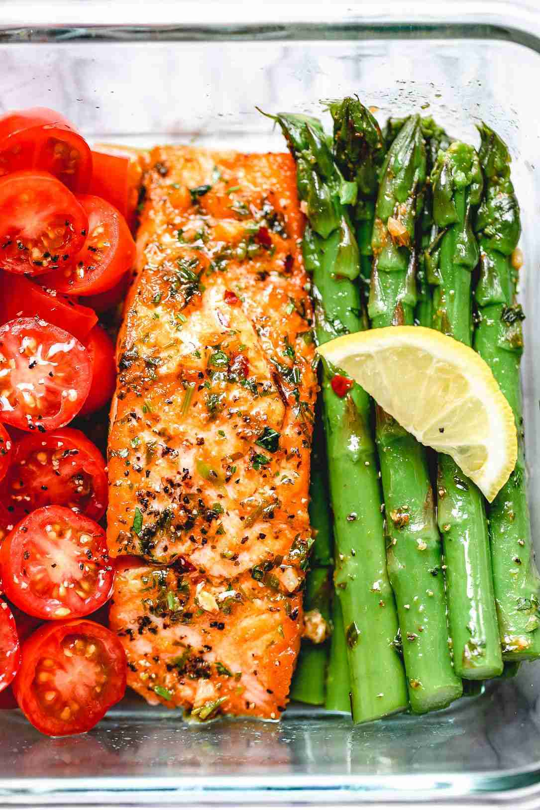 Meal-Prep Garlic Butter Salmon with Asparagus Recipe