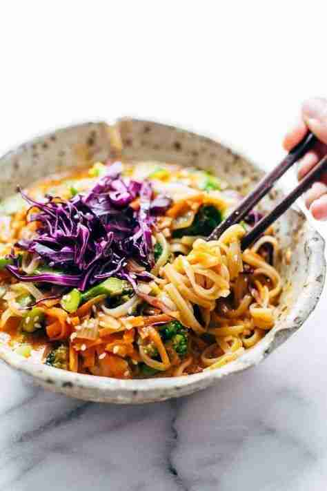 Bangkok Coconut Curry Noodle Bowls – Pinch of Yum