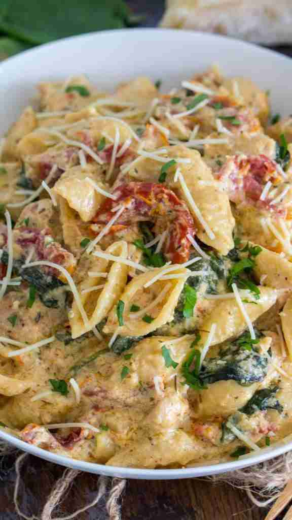 Instant Pot Tuscan Chicken Pasta [VIDEO] – Sweet and Savory Meals