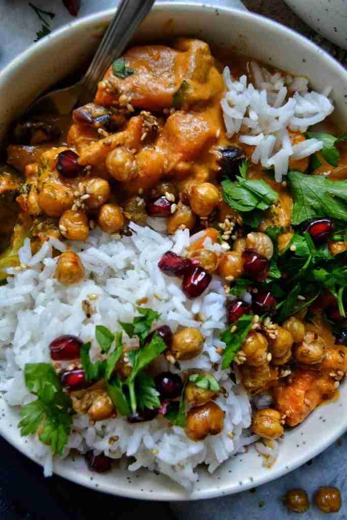 Curry Thaï Végétalien à la Patate Douce et Pois Chiche Croquants !