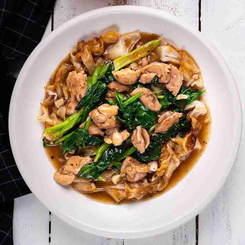 Thai Chicken & Gravy Noodles 'Rad Naa' – Marion's Kitchen