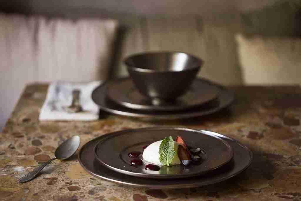 Casa Alegre Shine Stoneware 4 Pieces Place Setting Dinnerware Set