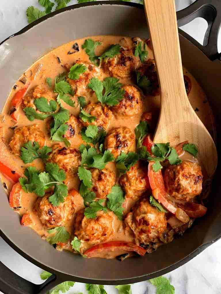 Healthy Thai Turkey Meatballs in Coconut Curry – rachLmansfield