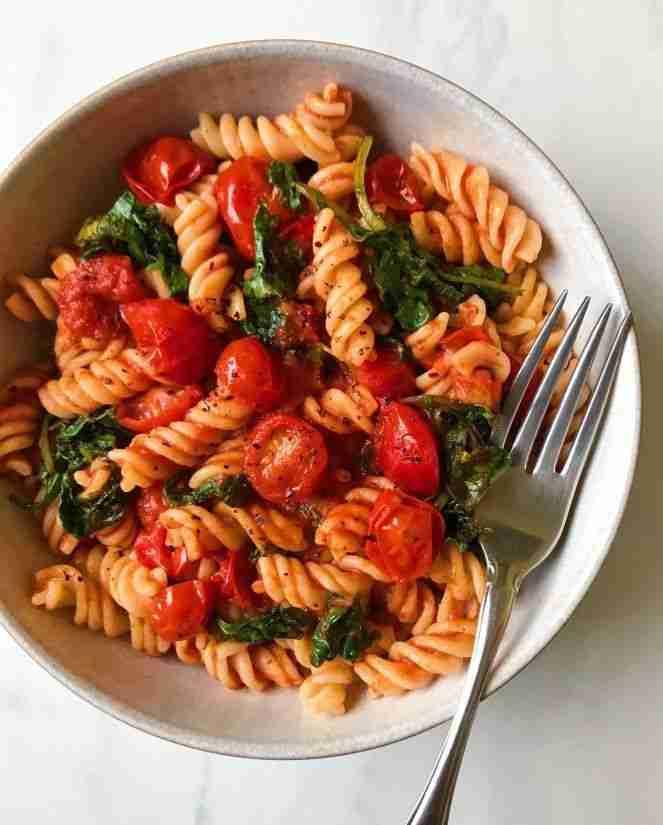 Hearty Kale and Marinara Pasta – The Dish On Healthy