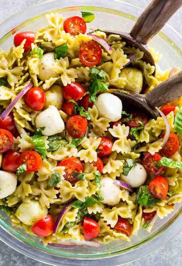 20-Minute Tomato, Basil, and Mozzarella Pasta Salad – Baker by Nature