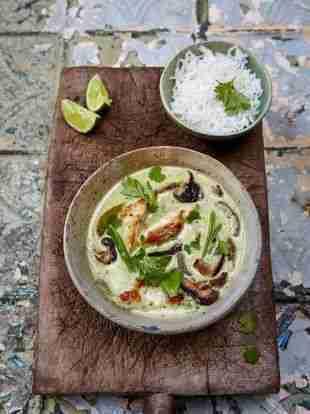 Best Thai green chicken curry recipe   Jamie  Oliver