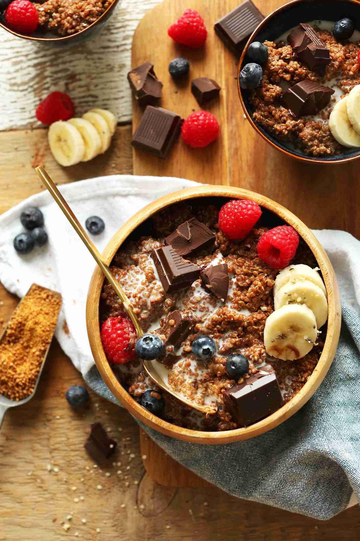 Chocolate Quinoa Breakfast Bowl   Minimalist Baker