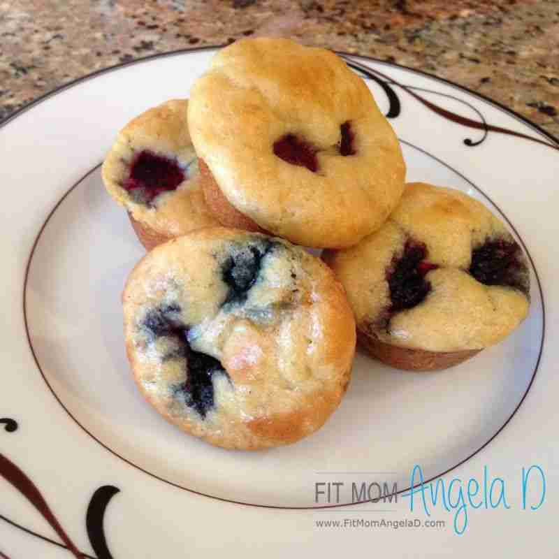 My 21 Day Fix Berry Pancake Mini Muffins are perfect for your busy morning and 2…