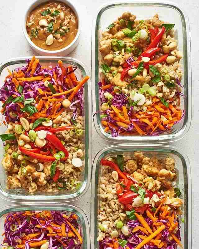Recipe: Spicy Thai Chicken and Brown Rice Bowls