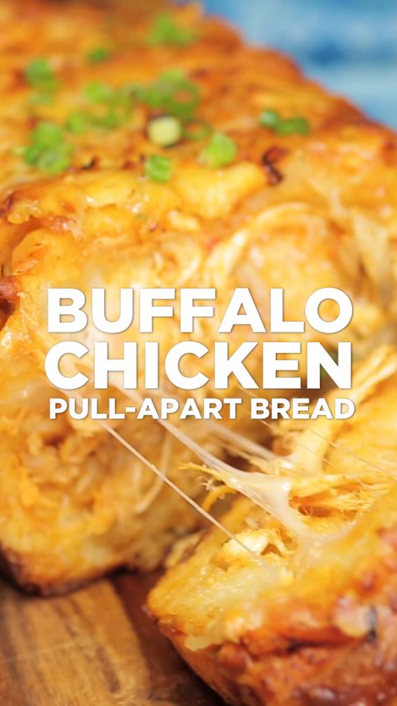 Cheesy Buffalo Chicken Pull-Apart Bread