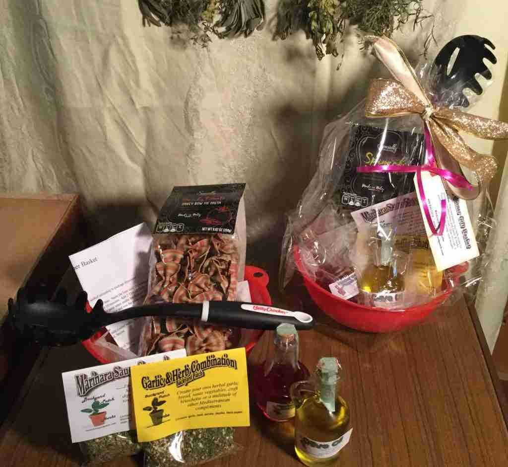 Mini Pasta Dinner in a Basket, seasonings, recipes and ingredients